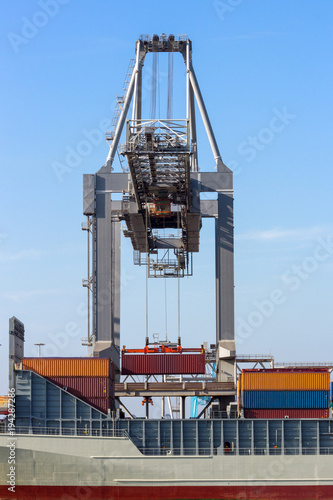 Fotobehang Rotterdam Crane container ship loading