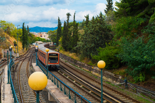 In de dag Athene The electric train in Thiseio in Athens Greece. The oldest urban rapid transit system of Athens metropolitan area in Greece