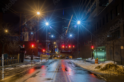 Foto op Plexiglas Chicago Chicago downtown city street view at night