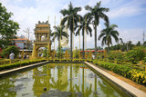 Garden with an arch in Asia - 194388435