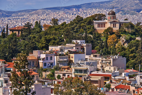 In de dag Athene Greece, the national observatory and Athens cityscape,