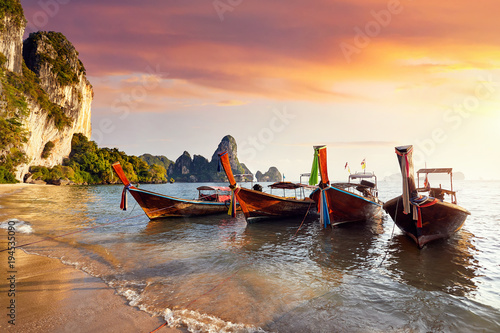 Deurstickers Tropical strand Long tail boat in Thailand