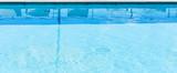 piscine eau bleue