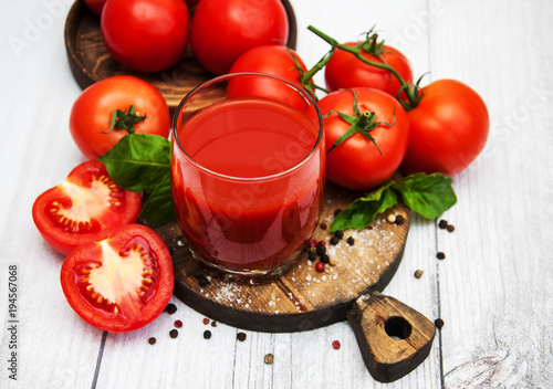 Foto op Canvas Sap Glass with tomato juice