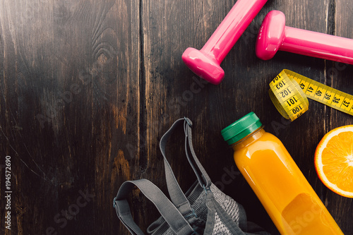 Foto op Canvas Sap Fitness equipment on wooden table