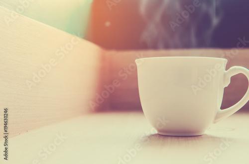 Aluminium Koffiebonen Cup of coffee with beautiful Latte art