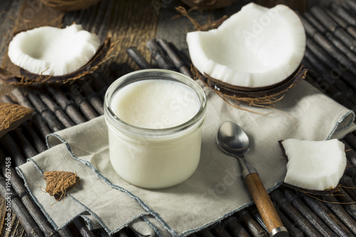 Leinwanddruck Bild Raw White Organic Coconut OIl