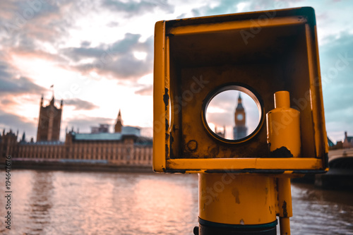 Deurstickers Londen frame of House of Parliament and Big Ben from the other side of the river Thames.