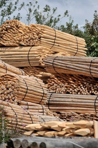 Fotobehang Bamboe Scierie bois piquet sapin