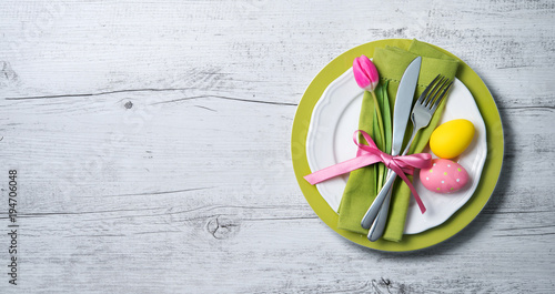 Easter table setting with spring flowers and cutlery - 194706048