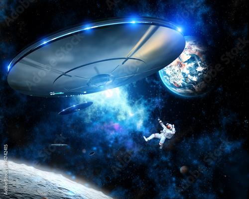 Canvas UFO Alien spaceships capture Astronaut in Space