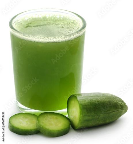 Fotobehang Sap Fresh juice of green cucumber