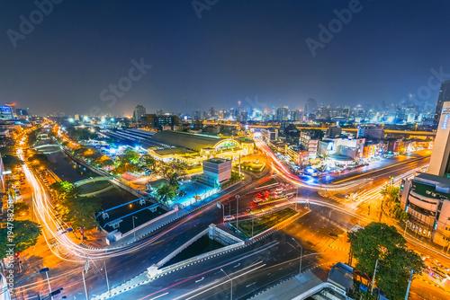 Papiers peints Autoroute nuit Bangkok Railway Station (MRT MRT Station) at sunset, Bangkok, Thailand
