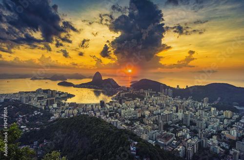 Foto op Aluminium Ochtendgloren Summer sunrise over Botafogo Bay in Rio de Janeiro, Brazil
