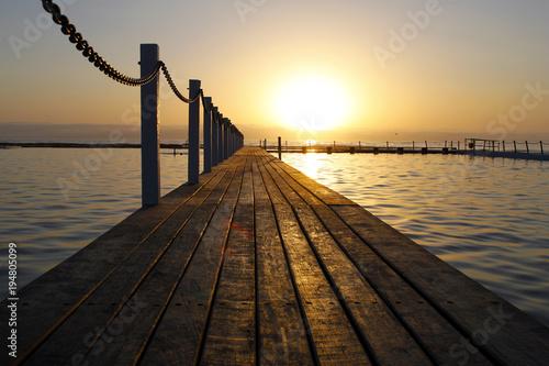 Wschód słońca przy Narrabeen plażą Australia