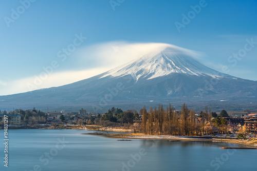 Fotobehang Blauwe jeans Beautiful landscape of Fuji mountain in winter, Japan