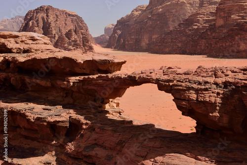 Foto op Plexiglas Zalm stone arch in Wadi Rum