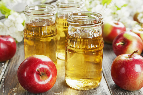 Foto op Canvas Sap Fresh apple juice