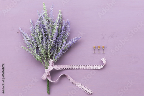 Fotobehang Lavendel Lavender flower on purple wooden background.