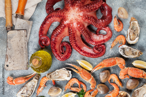 Seafood. Octopus, oysters, lobster, shrimps - 195096672