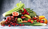 Composition with variety of raw organic vegetables and fruits. Balanced diet - 195115866