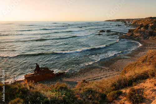 Foto op Aluminium Schipbreuk Vila Nova, ship wreck at the beach, Portugal