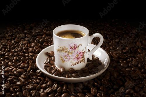 Tuinposter Koffiebonen Xícara de café expresso classico grãos