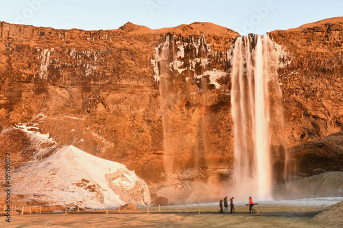 Staande foto Oranje eclat Iceland waterfall Seljalandsfoss アイスランド セリャラントスフォス 南部観光 裏見 滝