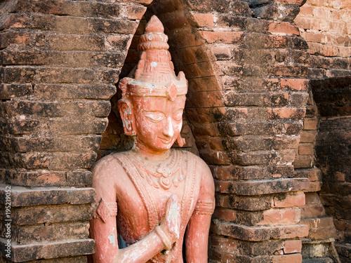 Plexiglas Boeddha バガン遺跡の石造