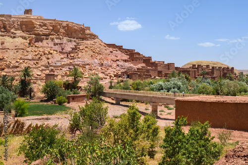 Fotobehang Zalm Kasbah Ait Ben Haddou, Morocco Landscape