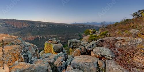 Foto op Canvas Diepbruine montagne