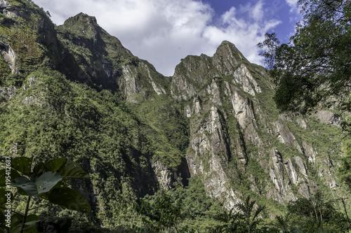 Fotobehang Khaki Andes Peaks in Peru