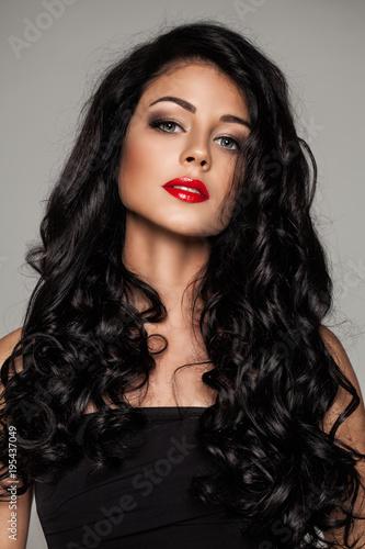 Foto op Canvas Kapsalon Glamorous Woman with Long Healthy Hair