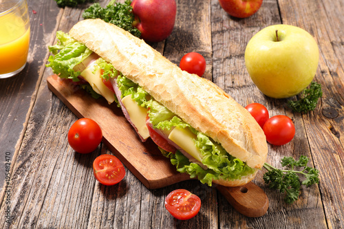 sandwich with cheese and salad - 195482470