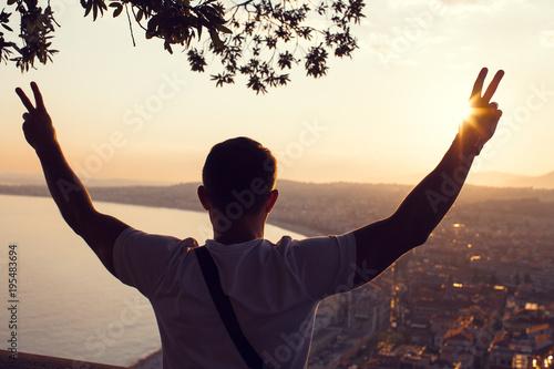 Papiers peints Nice Man enjoying sunset