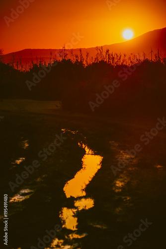 Foto op Aluminium Ochtendgloren Sunrise over mountain hill