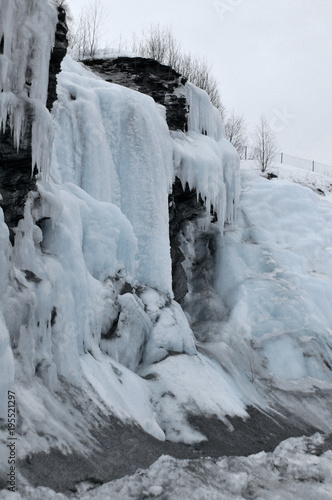 Foto op Plexiglas Donkergrijs Paisagem de inverno
