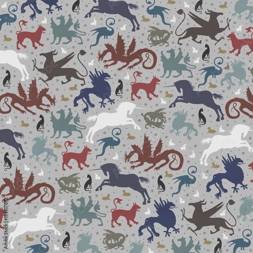 Bestiarium / non-repetitive pattern - 195617882