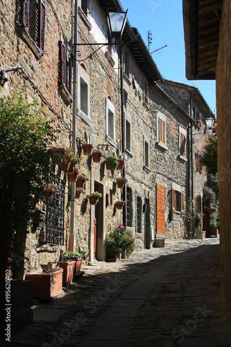 Aluminium Smalle straatjes Street in the old Italian city