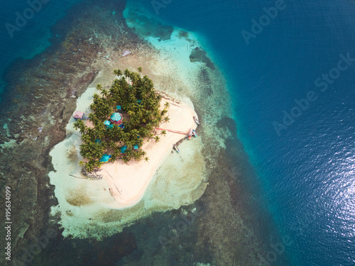 Fotobehang Tropical strand Small privat island