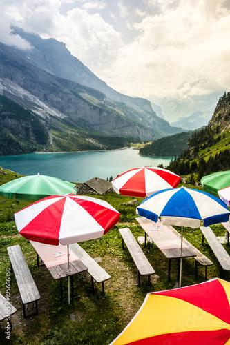 Staande foto Bergen Gaststätte oberhalb vom Oeschinensee, Alpen, Kandersteg, Kandertal, Schweiz