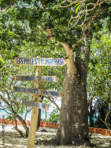 Deurstickers Zanzibar Zanzibar tanzania wooden sign with distances to different major cities