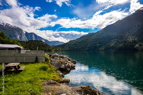 Tuinposter Natuur lovatnet lake Beautiful Nature Norway.