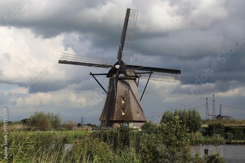 Foto op Plexiglas Rotterdam Windmill at Kinderijk, Holland