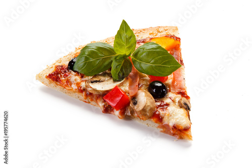 Papiers peints Pizzeria Piece pizza pepperoni with tomatoes, mushrooms and olives