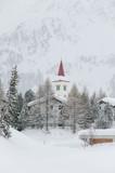 Maloja, Dorf, Engadiner Dorf, Engadin, Oberengadin, Chiesa Bianca, Kirche, Winter, Wintersport, Alpen, Graubünden, Malojapass, Schweiz - 195775221