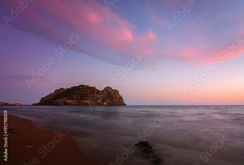 Fotobehang Strand Atardecer en la Isla del Fraile - playa amarilla