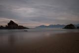 Une plage  dans le sud de la France  - 195890461