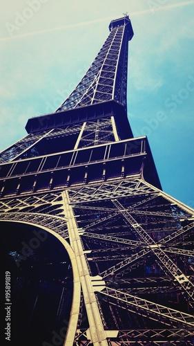 Foto op Canvas Eiffeltoren U stóp Wieży Eiffela