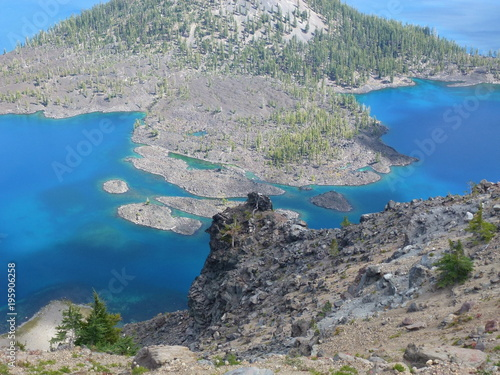 Foto op Canvas Donkergrijs Crater Lake